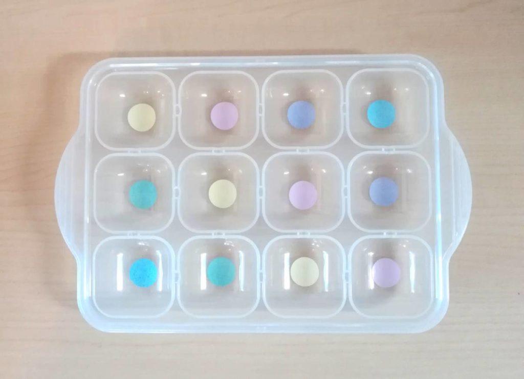 製氷皿に色分けシール